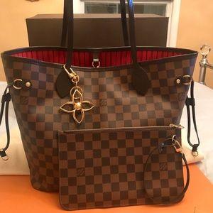 Louis Vuitton Neverfull MM Damier Ebene &Bag Charm